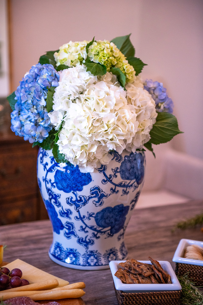 blue and white floral arrangement